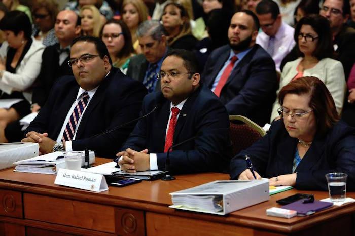 Secretario de Educación en el Senado de Puerto Rico (facebook)
