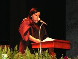 Clarisa Lopez – hija de Oscar Lopez – leyo la Carta de su padre en la Leccion Magistral en UPR-Cayey. (Suministrada)