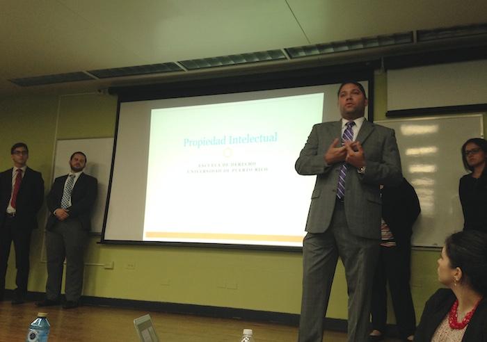 Los estudiantes ProBono de la UPR-RP le  brindaron a los estudiates del NVDE conocimientos sobre como patentizar sus productos y   proteger sus marcas. (Suministrada)