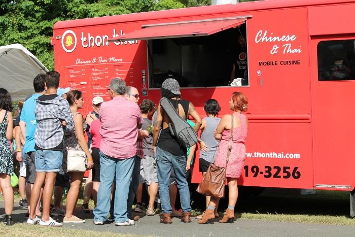 """El pasado 5 de julio, se llevó a cabo el primer """"Food Truck Summer Fest"""". (Michelle Estades / Diálogo)"""