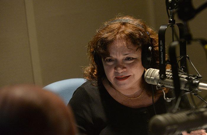 """La directora de """"Agenda de Hoy"""", la doctora Norma Valle Ferrer. (Ricardo Alcaraz / Diálogo)"""