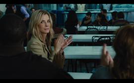 Sandra Bullock interpreta a Jane Bodine, una estratega política que buscará la elección de un candidato desfavorecido a la presidencia de Bolivia. (Screenshot)
