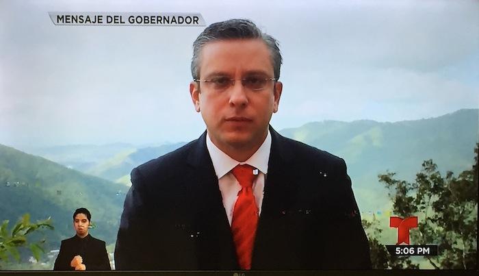 Alejandro García Padilla durante su mensaje televisado hoy en la tarde. (Adriana De Jesús Salamán / Diálogo)