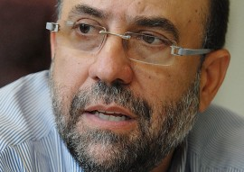 César Rey, profesor de la UPR. (Ricardo Alcaraz/ Diálogo))