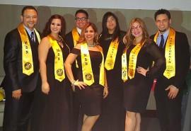 En la foto, los siete estudiantes que culminaron el programa graduado de enfermería con especialidad en anestesia. (Suministrada)