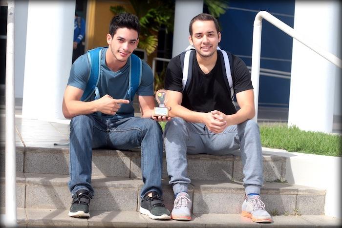 Los ganadores fueron Emmanuel Solano y Julio Brito de UPR Aguadilla. (Suministrada)