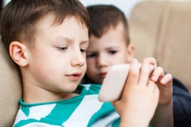 La Academia Americana de Pediatría ha exhortado a los padres a regular la exposición de los menores a los juegos electrónicos. (Suministrada)