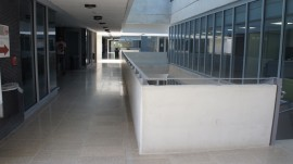 AJBR pasillo (Foto por David Tait/Grupo de Estudios Semióticos)