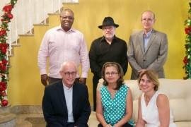 Carlos E. Severino Valdez, rector; Rafael Rivera Rosa, Dr. Eduardo Rodríguez Vázquez; (sentados) Jaime Romano, Flavia Marichal Lugo y Anna Nicholson. (Suministrada)