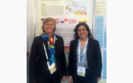 La doctora Wanda Maldonado, decana de la Escuela de Farmacia del RCM, y Leida Barrios, decana de la Facultad de Farmacia de la Universidad de Panamá. (Suministrada)