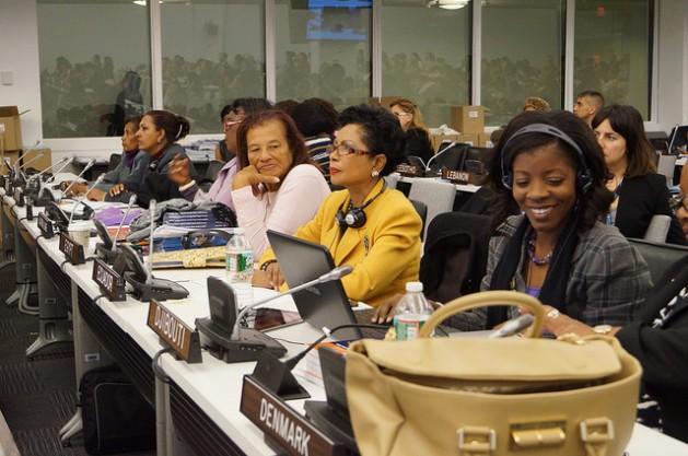 Delegadas presentes en la Comisión 57 sobre la Condición de la Mujer, celebrada en la sede de la ONU en marzo de 2013. Crédito: Lusha Chen/IPS