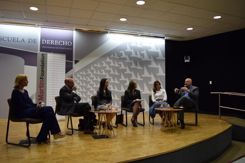 Panelistas del conversatorio sobre la trata humana