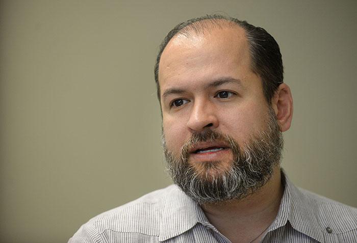 Esta no es la primera condecoración del rector Efraín Vázquez Vera. (Ricardo Alcaraz/Diálogo)
