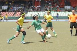 El fútbol femenino contará con la participación de 13 oncenos. (Archivo LAI)