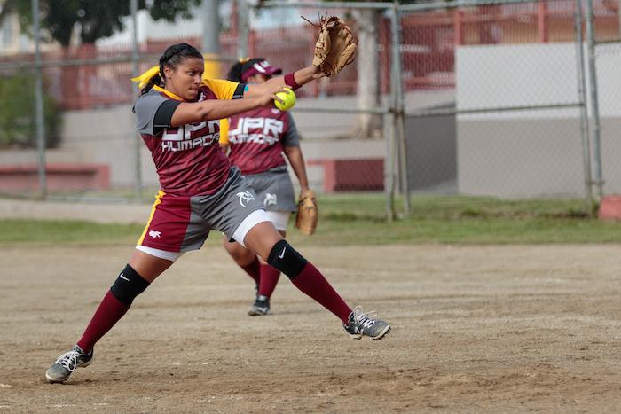 Las Búhas de Humacao con record de 5-1 reciben la visita de las Pitirres de la UNE en la continuación del softbol femenino. (Suministrada)