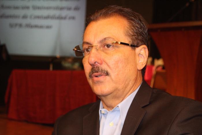 Juan Zaragoza Gómez, secretario del Departamento de Hacienda. (Glorimar Velázquez / Diálogo)