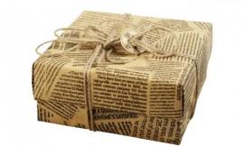 Utilizar el papel de periódico para envolver, le dará un toque vintage y único a su regalo. (Suministrada)