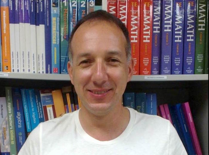 Dr. Luis Caceres