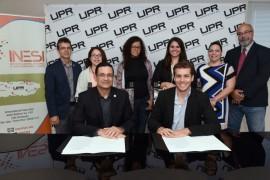 Firma del  acuerdo entre la UPR, INESI  Y MPA.  (Suministrada)