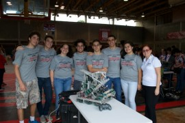 Foto 1 Equipos de Robóticas de UHS