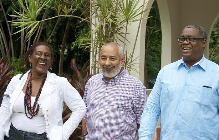 Foto 1- Mayra Santos Febres, Leonardo Padura y Carlos E. Severino Valdez  (2)