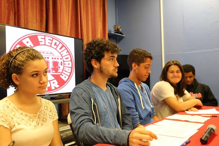 Foto 1a- Estudiantes UHS