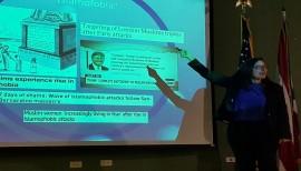 Yanelle Strich durante su conferencia.