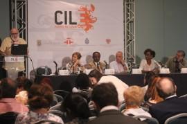 Desde la izquierda, Gerardo Piña Rosales, Mayra Montero, Justo Bolekia, Julio Escoto, Melanie Taylor y Tino Villanueva. (Rosaura Jiménez / Diálogo)