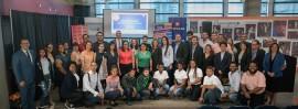 Líderes, colaboradores y jóvenes que asistieron a la conferencia de prensa. (Suministrada)