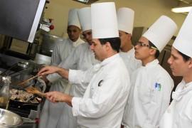 Chef de la Escuela Hotelera UPR Carolina. (Suministrada)