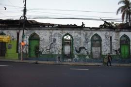 Mural pintado por jóvenes artistas en el Centro Histórico de San Salvador. Crédito: Fernando Santillán/Pie de Página