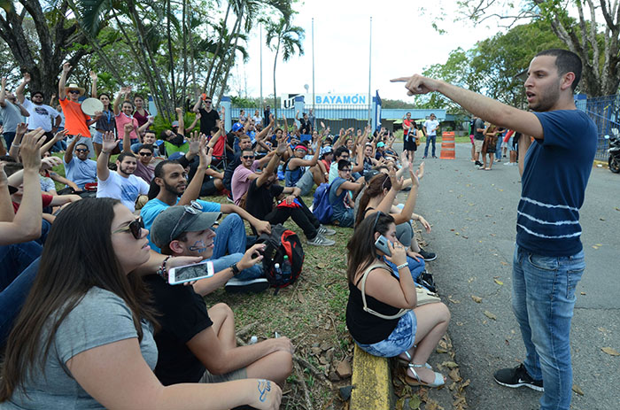 UPR Bayamón en huelga condicionada. (Ricardo Alcaraz/ Diálogo)