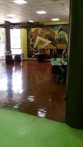 Lobby del Decanato de Estudiantes en UPR Arecibo. (Sara Rivera/ Diálogo)