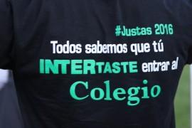 Camisas de los colegiales en las Justas 2016. (David Pérez/ Diálogo)