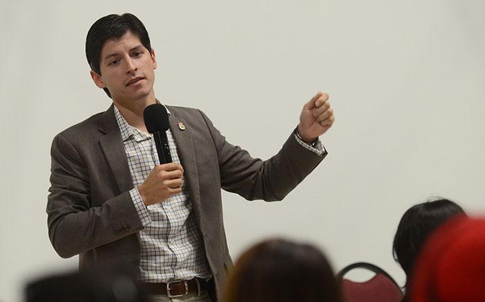 Natal conversó con Diálogo sobre varios asuntos políticos y del gobierno. (Ricardo Alcaraz / Diálogo)
