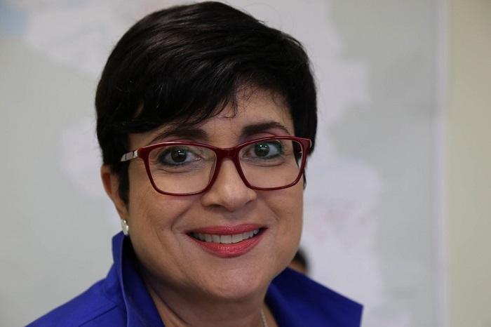 Sylvia Gómez, periodista para Telemundo, es la ganadora de la beca. (CPI)