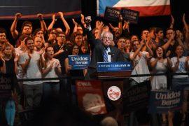 El senador Sanders alentó a los jóvenes a trabajar unidos para lograr la equidad y la prosperidad. (Ricardo Alcaraz/Diálogo)