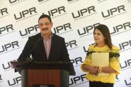 Walker presenta proyecto para el Día de la UPR. (Ricardo Alcaraz/ Diálogo)