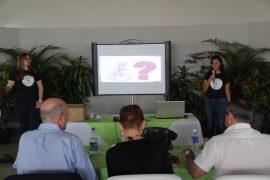 Jueces evalúan a concursantes en la presentación. (Suministrada)