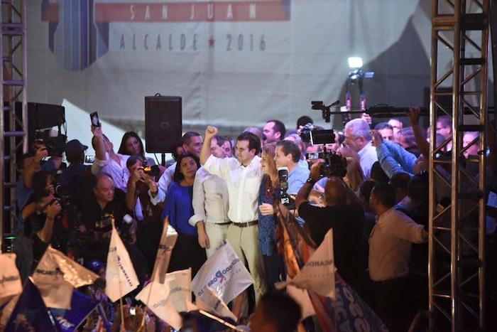 Ricardo Rosselló y Jenifer González celebran su triunfo en las primarias. (Facebook)