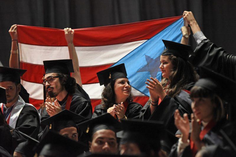 La portavoz del recinto de Río Piedras aseguró que la graduación no ha sido cancelada.  (Archivo)