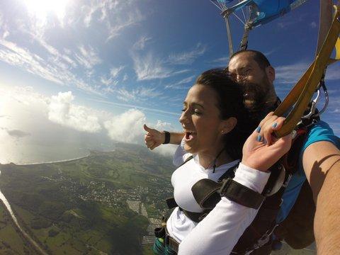 Diani Liz Matos Ramos se lanzó de paracaídas. (Suministrada)