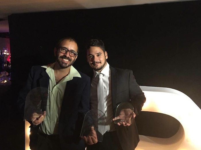 Hermes Ayala y Emmanuel Estrada en la premiación del OPC. (Glorimar Velázquez/ Diálogo)