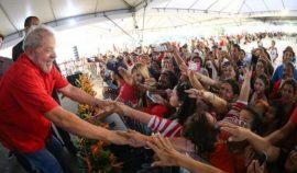 RS_Lula-recebe-titulo-cidadao-Juazeirense_006-850×498-629×369