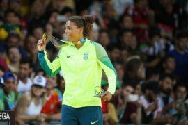 """La judoca Rafaela Silva, quien estrenó el 8 de agosto el medallero del anfitrión Brasil con una medalla de oro. Convertida en heroína luego de ser vituperada como """"mona que debería estar en la jaula"""", cuando fue descalificada en los Juegos de Londres 2012. Crédito: Roberto Castro/ Brasil2016"""
