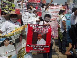 Una de las múltiples manifestaciones de familiares de víctimas de desaparición forzada, que llegan a la capital de México en demanda de que el gobierno busque a sus parientes y esclarezca sus casos. Crédito: Diana Cariboni/IPS