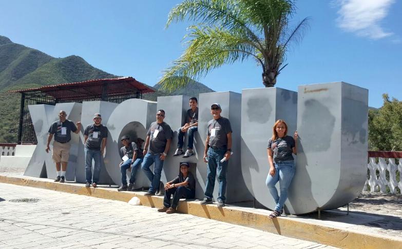 Delegación puertorriqueña que visitó Xichú, Guanajuato como parte de la Octava Jornada Iberoamericana de niños y jóvenes poetas, troveros y versadores. (Suministrada)