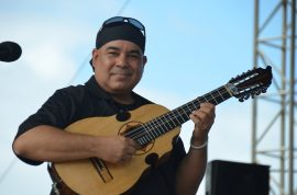 Orlando Laureano es reconocido como un gran cuatrista y guitarrista. (Suministrada)