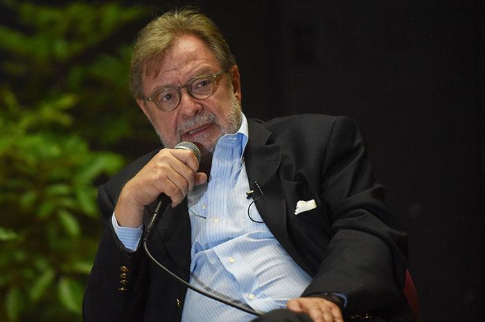 Juan Luis Cebrián, director de El País. (Ricardo Alcaraz/Diálogo)
