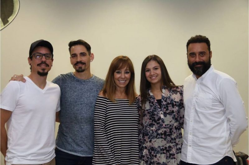 De izquierda a derecha: Andrei Nemcik, editor del filme, José Hernández, profesor y actor, Cordelia González, actriz. Miranda Purcell, actriz principal y Arí Maniel Cruz, director. (Facebook)